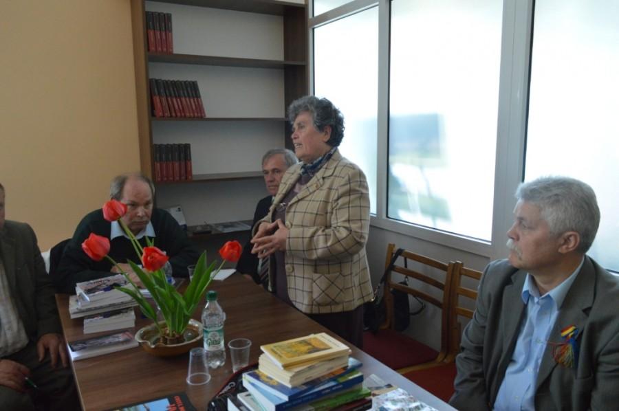 """Lansare de carte găzduită de filiala bibliotecii """"Nicolae Iorga"""" din Ploiești la Cimișlia"""
