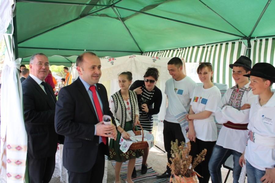 La Cimişlia a fost dat startul Caravanei Naţionale de Voluntariat